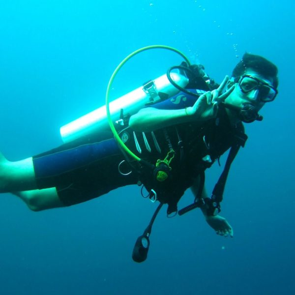 scuba-diver-